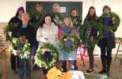 2016-wreath-group