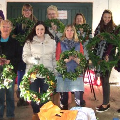 2016-wreath-group