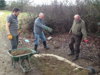 2-james-l-mike-a-tim-t-ditch-digging-at-wheat-rick-ntna-dec-16